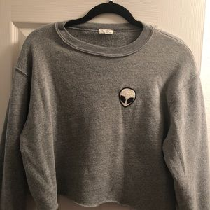 Tops - Cropped Grey Shirt with Alien on pocket